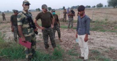 सीमा पर पकड़ा गया नौजवान बीएसएफ ने पाक रेंजरों को सौंपा